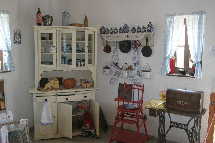 Camera da letto colori pareti camera da letto arte povera : mobili ...