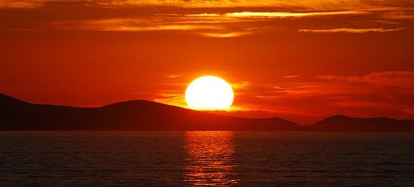 Risultati immagini per foto di tramonto rosso