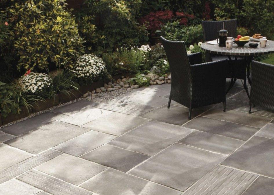 Come scegliere la pavimentazione degli esterni - Pavimentazione giardino in pietra ...