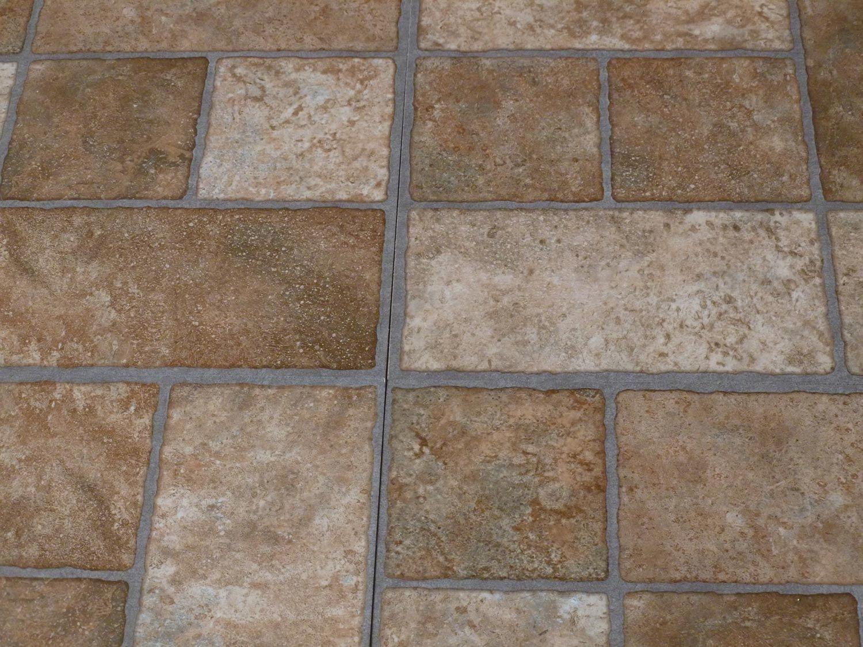 Come scegliere la pavimentazione degli esterni for Piastrelle vinile