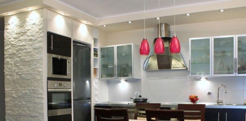 Cucina come abbinare i colori delle pareti e dei mobili - Punti luce in cucina ...