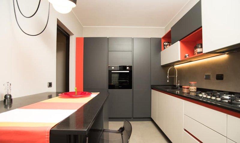 Cucina come abbinare colori pareti mobili elettrodomestici - Cucina moderna oro ...