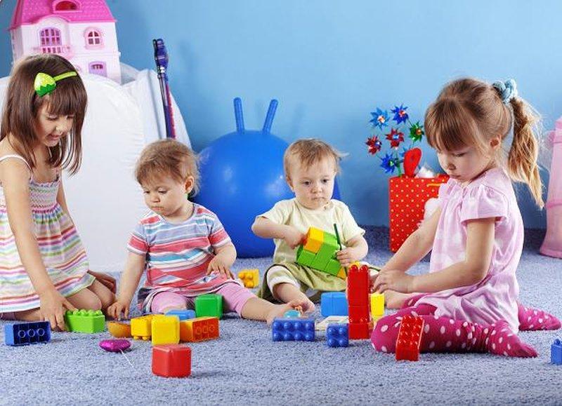 apprendre-les-couleurs-avec-briques colorées