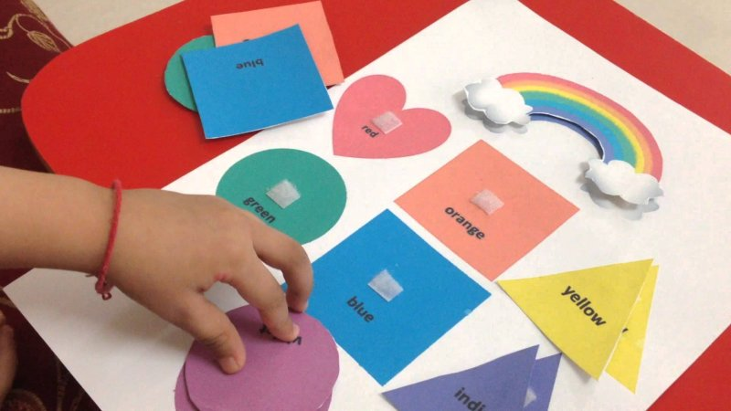 teach-les-enfants-et-couleur-noms